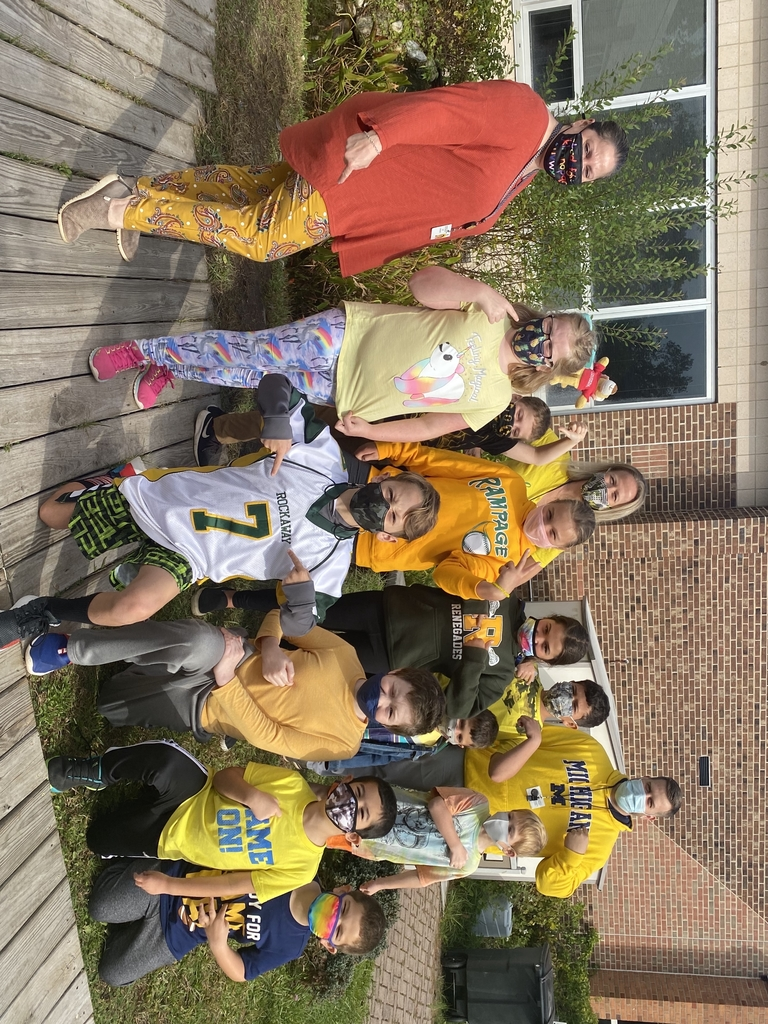 Gold and Yellow Spirit Day!